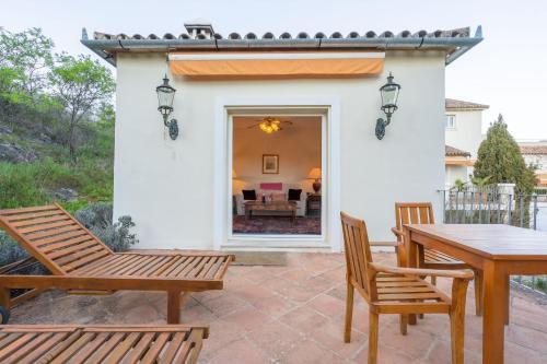 Suite with Terrace Hotel La Fuente de la Higuera 26