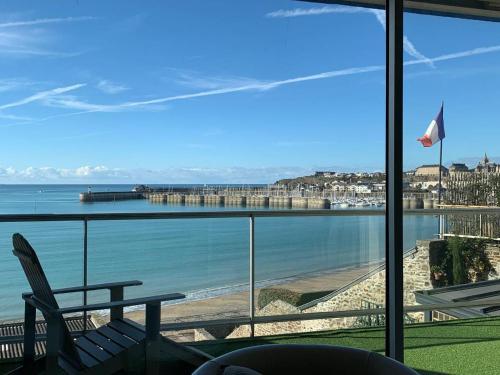 Un Balcon sur la Mer, Acces Direct a la Plage - Location saisonnière - Granville