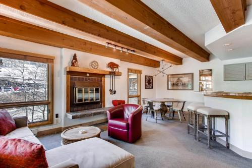 Elegantly Styled Plaza Condo Condo - Apartment - Crested Butte