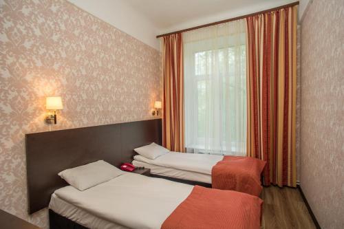 Pervomayskaya Hotel - image 12