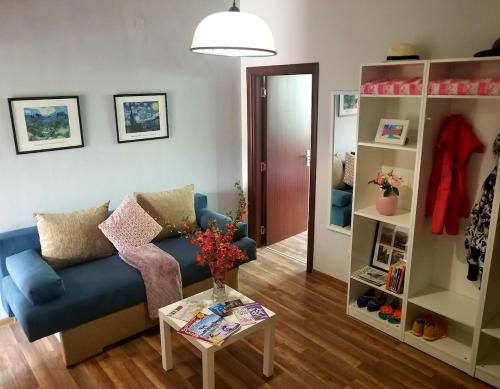 Plovdiv Top Center 2bdrm 1bath Apartment 5min walk from Central Square & Garden