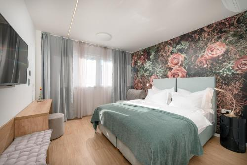 . Skaline Luxury rooms Split