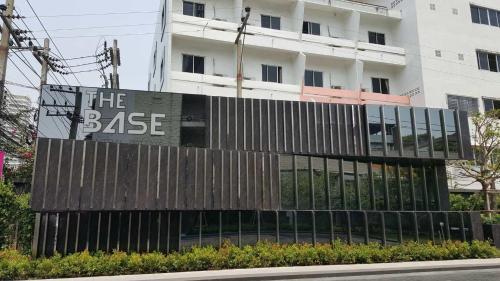 The Base Pattaya by Kwan The Base Pattaya by Kwan
