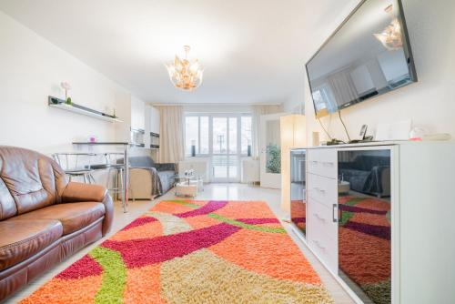 . ID 6851   Private Apartment