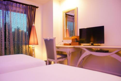 Chillax Resort photo 24