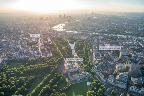 4 Buckingham Gate, London, SW1E 6AF, England.