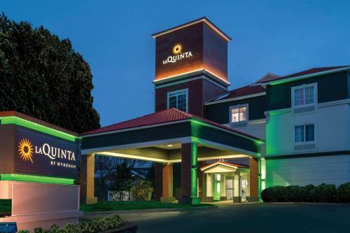 La Quinta by Wyndham Latham Albany Airport - Hotel - Latham
