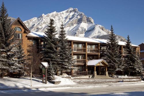 High Country Inn - Banff, AB T1L 1A7