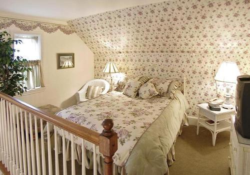 Bird in Hand Village Inn & Suites