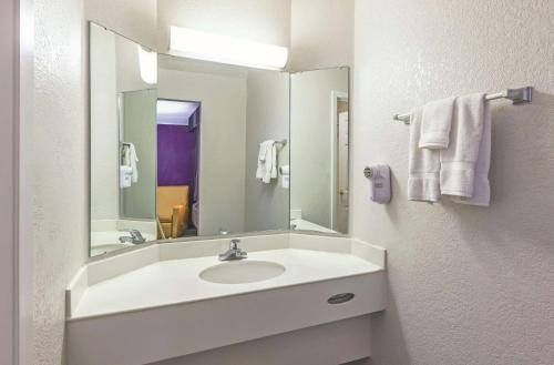 La Quinta Inn by Wyndham Sacramento Downtown - Hotel - Sacramento