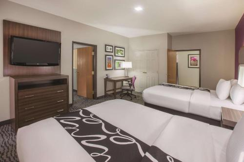 Deluxe Executive Suite with Two Queen Beds