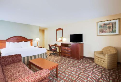 La Quinta Inn by Wyndham Queens (New York City) - image 6