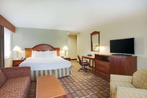 La Quinta Inn by Wyndham Queens (New York City) - image 7