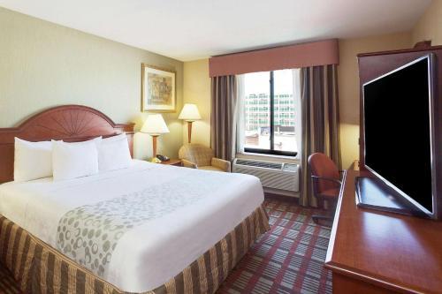 La Quinta Inn by Wyndham Queens (New York City) - image 3