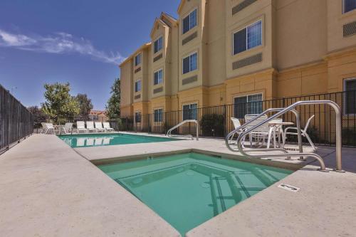 La Quinta by Wyndham Tulare - Tulare, CA CA 93274