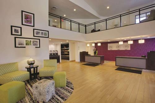 La Quinta by Wyndham Detroit Metro Airport - Hotel - Romulus
