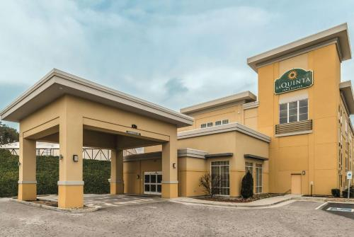 La Quinta by Wyndham Knoxville Central Papermill - Hotel - Knoxville