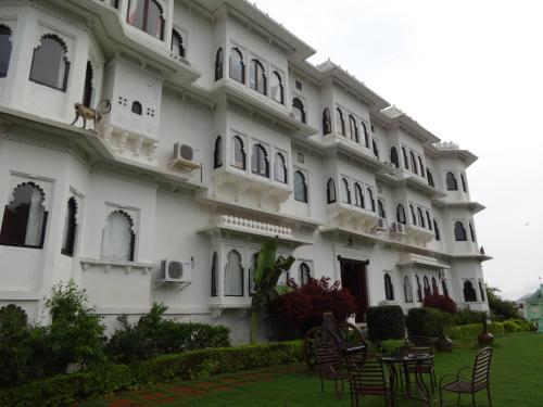 . Karohi Haveli - A Heritage Hotel