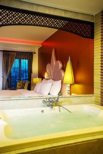 Chillax Resort photo 28