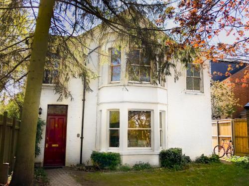 Suitely Carlyle Place, Cambridge