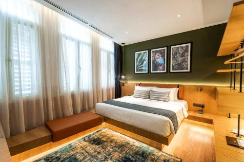 . Macalister Hotel by PHC