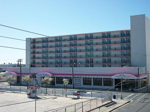 Beach Terrace Motor Inn - Wildwood, NJ 08260