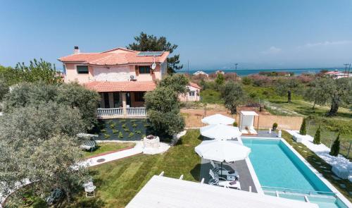 . Fokas Luxury Villa