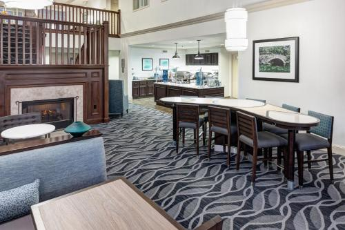 Homewood Suites by Hilton Mahwah - Hotel