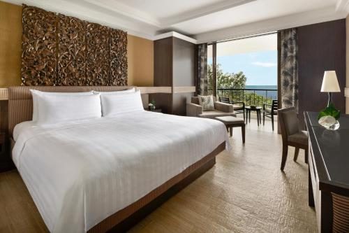 Local Residents Get MYR100 Daily F&B Credit - Executive Double Room with Seaview