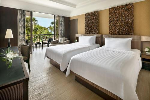 Local Residents Get MYR100 Daily F&B Credit - Deluxe Twin Room