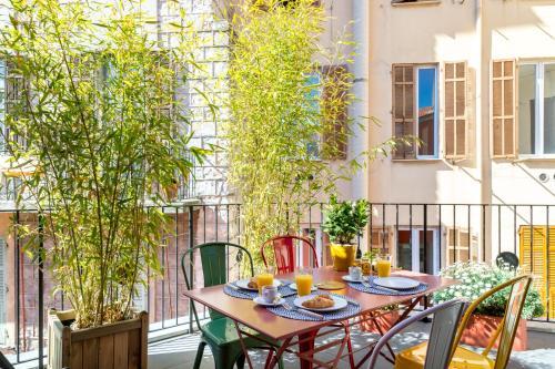 . L'Abeille - Boutique Apartments