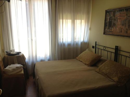 Guesthouse Alloggi Agli Artisti - image 2