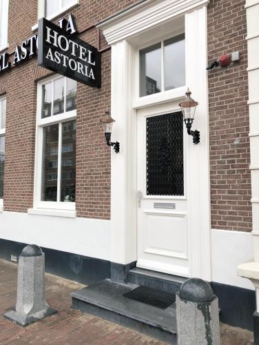 Astoria The Hague, Pension in Den Haag