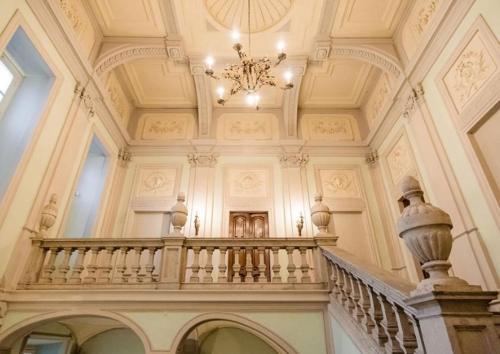 . Royal Palace Hotel & Spa
