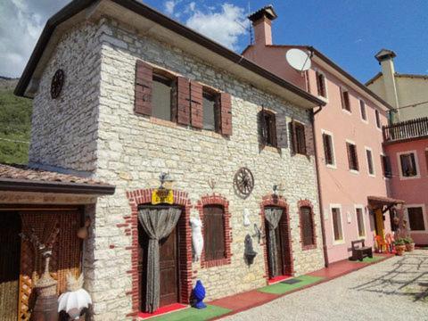 Art B&B La Casa del Pittore - Accommodation - Revine Lago