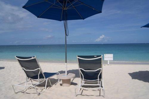 . Cayman Reef Resort- Heaven On Seven Mile Beach