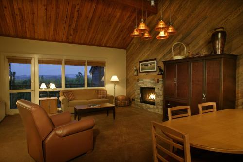 Seventh Mountain Resort - Bend, OR 97702