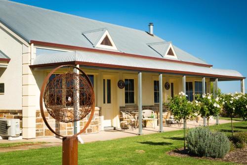 . Barossa Vineyard Cottages