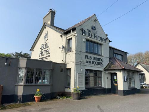 Bull Hotel (Bed and Breakfast)