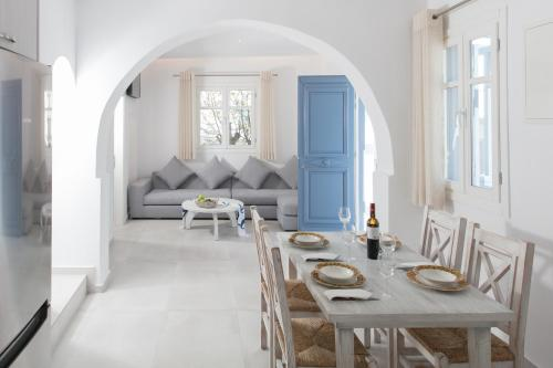 . Casa Centro in Mykonos Town by iTravelhome