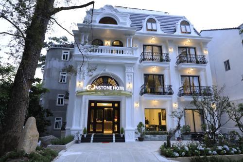 . Moonstone Hotel Dalat