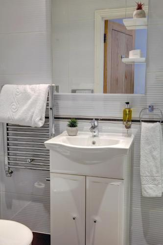 Best Western Chiswick Palace & Suites London - image 5