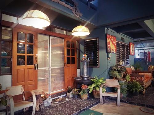 Ma 2 guesthouse chiang mai (at chiang puak gate area) Ma 2 guesthouse chiang mai (at chiang puak gate area)