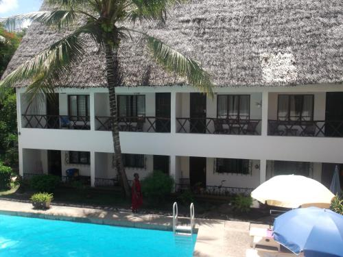 Papillon Beach Apartments