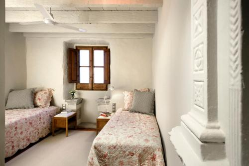 Double or Twin Room with Sea View Can Mora de Dalt 9
