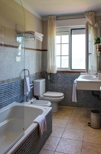 Habitación Doble con bañera de hidromasaje Hotel Mirador del Sella 2