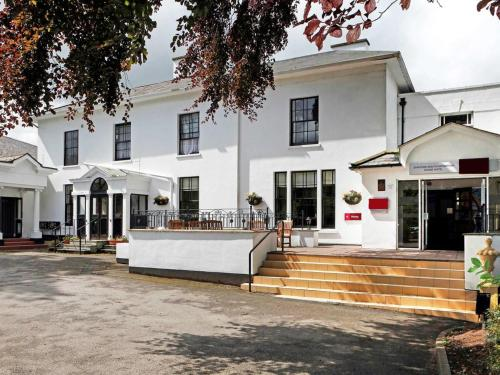 . Stafford South Hatherton Hotel