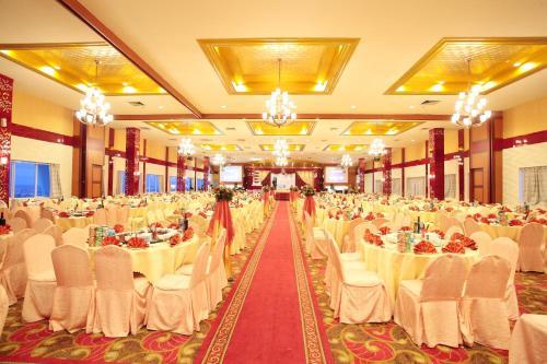 Crown Vista Hotel photo 4