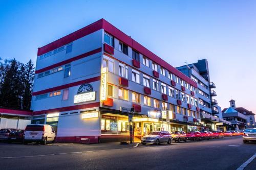 . Hotel & Restaurant Knote
