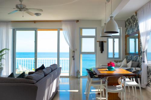 Ocho Rios Penthouse at Whispering Seas